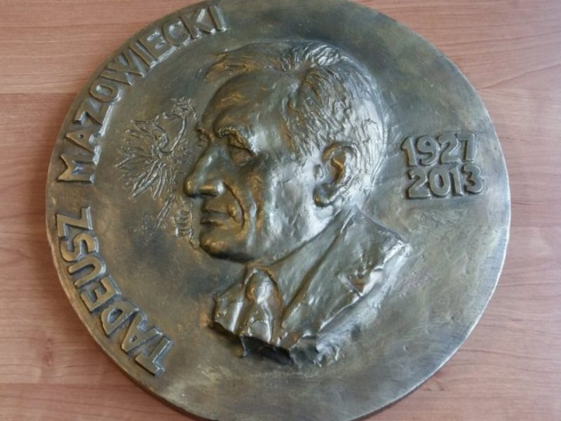 zkpig8_medal-tadeusz-mazowiecki